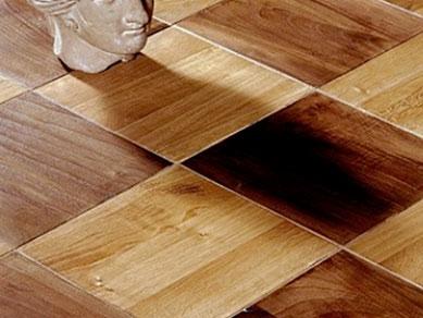 posa pavimento in legno a disegno